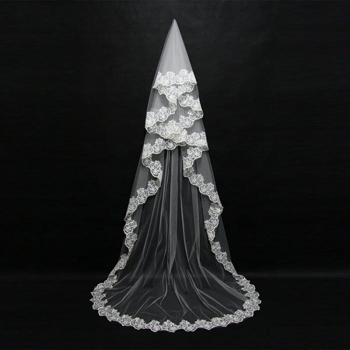 Voal de mireasa superb lungime 3 m alb nou model deosebit
