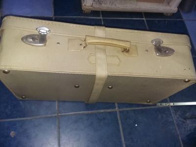 Geamantan mare vechi cu centura si cheile originale,valiza perioada Ceausista foto