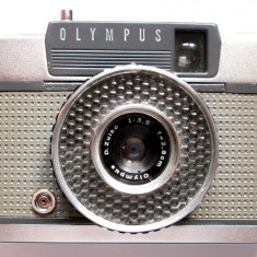 APARAT FOTO CU FILM , OLYMPUS PEN-ELECTRIC EYE , IMPECABIL , MADE IN JAPAN !!!