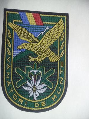 Emblema,Ecuson militar Original VANATORII DE MUNTE,Neutilizata foto