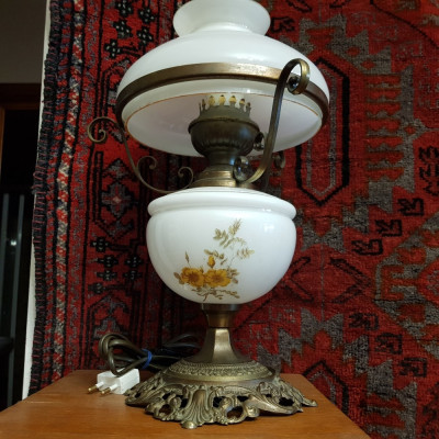 VEIOZA , LAMPA ELECTRICA DE BIROU SAU DORMITOR foto