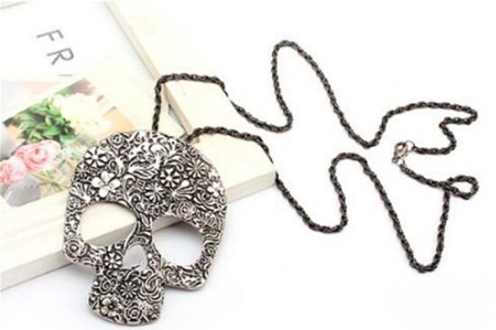 Pandantiv  skeletron skelet cu lant atasat fashion vintage skull cap de mort foto mare