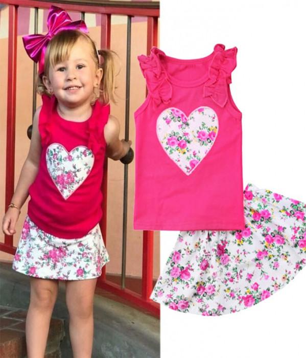 Costum roz cu inimioare foto mare