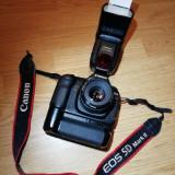 Canon 5D Mark2+Obiectiv Canon 1.8 50mm+Rucsac+Grip+Blitz+Card 3500 LEI