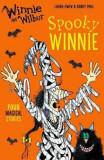 Winnie and Wilbur: Spooky Winnie, Paperback