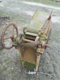Siscalau ( mașină de tocat paie sau coceni )