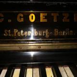 PIANINA C. GOETZE Placa de bronz