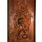 Vechi tablou sculptat în lemn de nuc