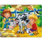 Puzzle Copiii la Ferma cu Vaca, 18 Piese, LARSEN