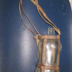 Sticla plosca gradata bauturi RSR 300 grame. Stare buna cu husa de piele.