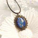 Colier cu pandantiv vintage si flori albastre