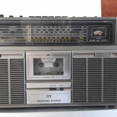 RADIO CASETOFON  ITT  Weekend Stereo Cassette 110- IMPECABIL ,FUNCTIONEAZA .