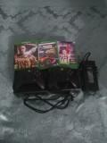 Vând Xbox One 1TB ,cu 2 manete si 3 jocuri,folosit doar 7ore