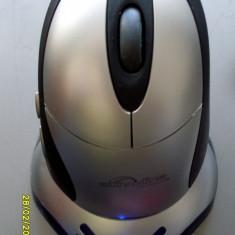 Mouse optic wireless SUNNYLINE cu 2 acumulatori si suport incarcare, Optica, Sub 1000