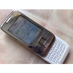 Nokia e66 argintiu reconditionat