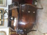 Mobila antica comoda in stil venezian