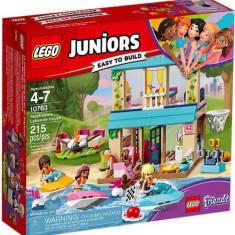 LEGO® Juniors Casa lui Stephanie de langa lac 10763