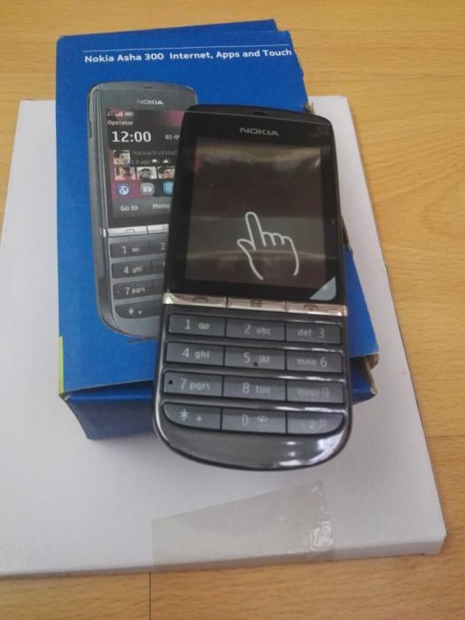 Nokia Asha 300 faolosit stare perfect