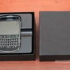 Blackberry 9900 bold nou in cutie