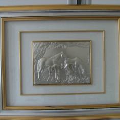 Superb tablou argintat in basorelief,marcat si semnat,cai ,manzi,dimensiune mare