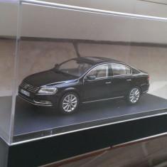 Macheta Volkswagen VW Passat B7 negru - Schuco ed. dealer noua, scara 1:43