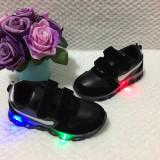 Adidasi negri cu lumini LED luminite scai pantofi sport tenisi baieti fete 30 32, Unisex