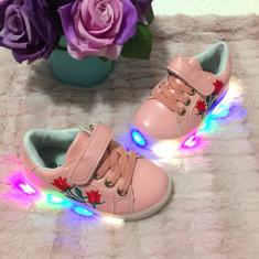 Adidasi roz cu luminite LED colorate floare brodata cu lumini fetite bebe 21, Fete, Din imagine
