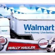 Masinuta Disney Cars Exclusive Die-Cast Vehicle Wally Hauler 1:55 Scale