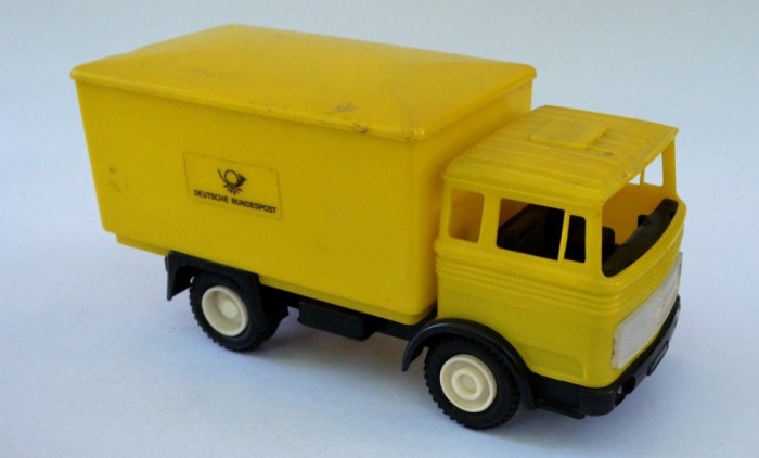 Jucarie veche Camion Posta Mercedes LKW cu reclama BUNDESPOSTE anii '70