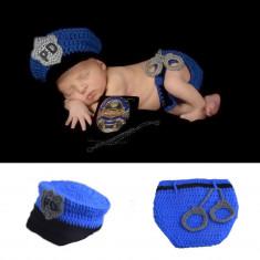 Costum crosetat bebelusi model Politist/ fotbalist sedinte foto