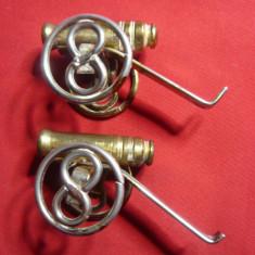 2 Figurine bronz - Tunuri , L= 6,5 cm