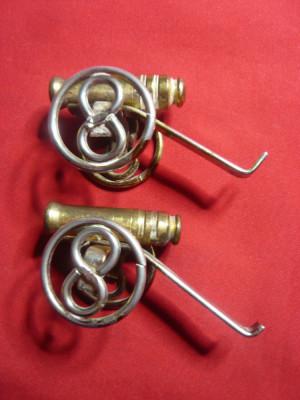 2 Figurine bronz - Tunuri , L= 6,5 cm foto