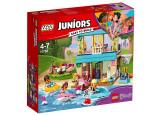 LEGO Juniors - Casa lui Stephanie de langa lac 10763