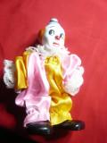 Papusa Clovn- cu cap ,maini ,picioare din portelan , h= 14,6 cm