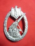 Insigna militara germana cu Vultur nazist si tun- Copie , h= 5,8 cm