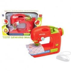 Masina de cusut de jucarie cu accesorii