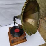 INSTRUMENT MUZICALGRAMOFON CU PALNIE SI CUTIE DE LEMN - anii 1900