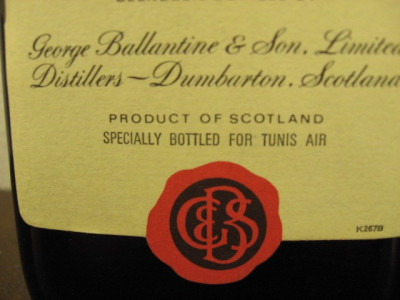 RARITATE  whisky, ballantines,  SPECIALL BOTTLED FOUR TUNIS AIR cl 75 foto