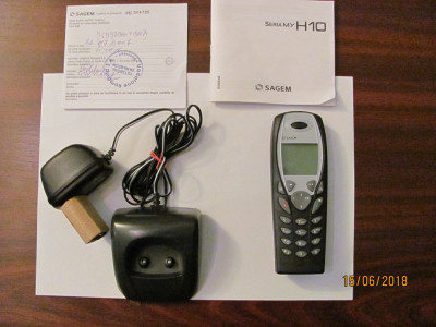 PVM - Mobil telefon vechi functional aproape nefolosit SAGEM H10 fabricat China foto