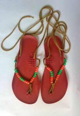 Sandale vechi romanesti, tipice anii '80, de plastic cu margele, marime 22.5 foto