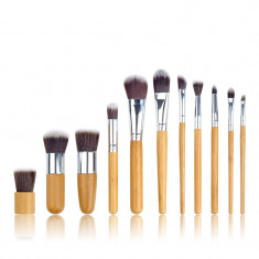 AC1344-8 Set 11 pensule de make up profesional, cu manere din bambus
