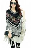 BL495-2 Poncho tricotat cu model, accesorizat cu ciucurei, S/M