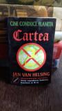 CINE CONDUCE PLANETA CARTEA A 3-A - JAN VAN HELSING