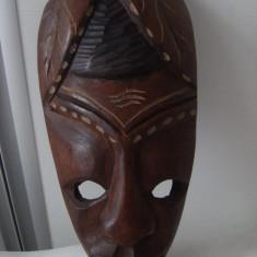 Frumoasa masca africana veche,marcata Bahamas,lemn esentatare, stare perfecta.