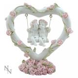 Statueta ingerasi Inima iubitoare cu trandafiri 10.5 cm