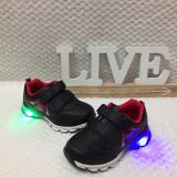 Adidasi LED luminite - negri cu scai pantofi sport baieti 29 30