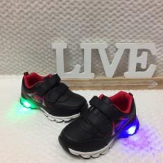 Adidasi LED luminite - negri cu scai pantofi sport baieti 30, Din imagine