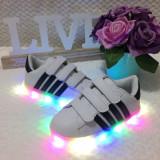 Adidasi cu lumina LED albi cu scai tenisi pantofi sport fete baieti 26 29 30, Unisex