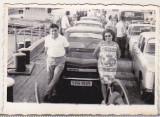 bnk foto - Dacia 1100 - cu bacul pe Dunare