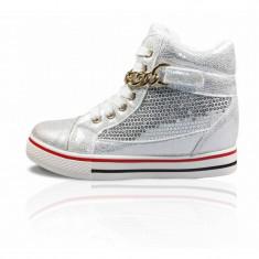 CH2371 Sneakers dama accesorizati cu paiete si lant auriu